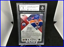 2016-17 UD SP Game Used Red Auto Jersey Wayne Gretzky BECKETT 9