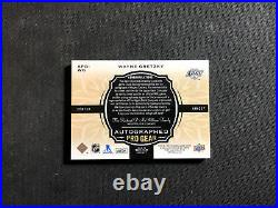 2018-19 UD THE CUP WAYNE GRETZKY PRO GEAR AUTO JERSEY PATCH BOOKLET #ed 5/12