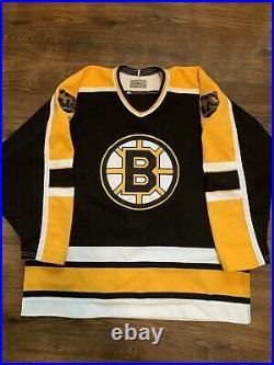 CCM Center Ice Authentic Boston Bruins NHL Hockey Jersey Vintage Black Away 52