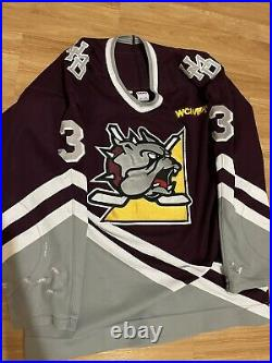 CCM Minnesota Duluth Bulldogs UMD WCHA Gilling College GAME WORN Hockey Jersey