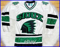 North Dakota Fighting Sioux UND Vintage Retired Logo Gemini WCHA Hockey Jersey L