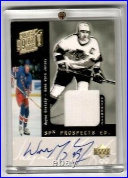 Wayne Gretzky 1999 Upper Deck SPx Prospects AUTO Game Worn Jersey Card #10/40
